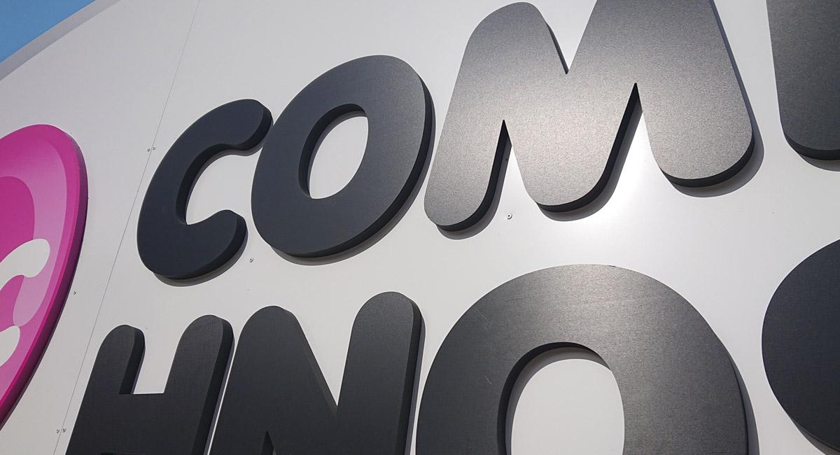 Norneón rótulo sin iluminación combinando volúmenes en PVC_3