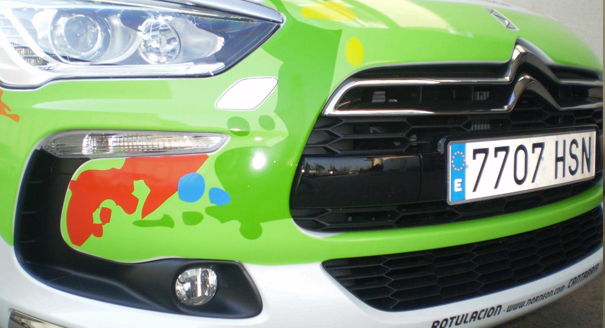 Norneón vehículo blanco rotulado para convertido a verde2